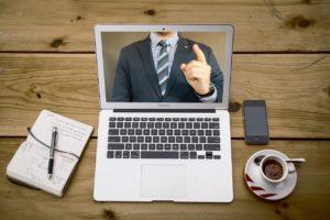 10 největších prohřešků proti etiketě na online schůzkách